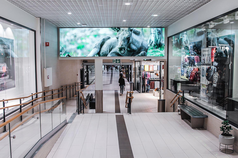 City Nord ønsket å digitalisere kjøpesenteret med LED skjermer på ulike plasseringer. Vi har prosjektert, levert og montert 7 ulike skjermer.