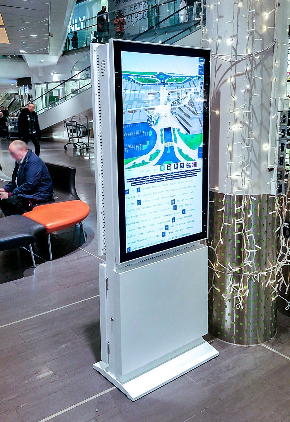 Jekta Storsenter har 8 stk 49 tommer tosidige skjermer med touch. 3D Wayfinder på en side og løpende annonsering + senterinformasjon på den andre.
